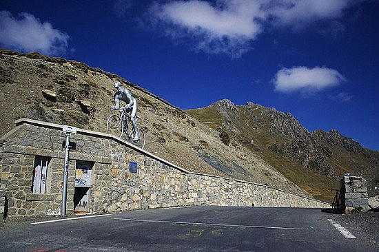 Col du Tourmalet. Photo by Flickr user Soumei Baba (muneaki)
